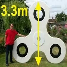 British inventor shows off world's largest fidget spinner (VIDEO)