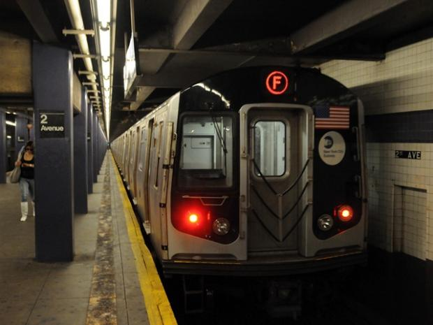 NYC man tells woman 'I'm going to push you' then knocks her onto subway tracks, police say