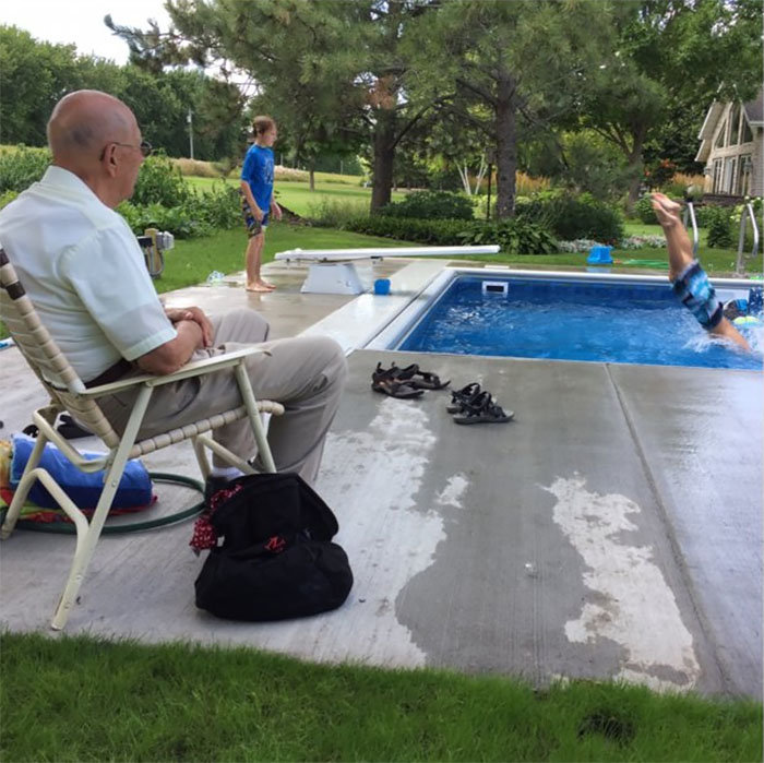 94-Year-Old Man Builds Pool for Neighborhood Kids After Wife Dies. Davison no longer feels alone!
