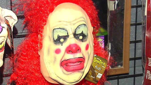 """Ohio Father Arrested For Wearing A Clown Mask To """"Discipline"""" 6-Year-Old Daughter"""