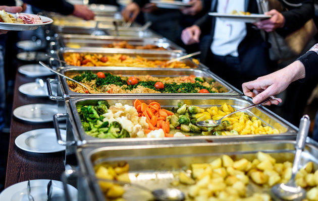 8 unexpected, but common food safety mistakes many people make
