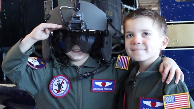 6-Year-Old Boys Who Met During Cancer Treatment Get to Be 'Pilots for a Day'