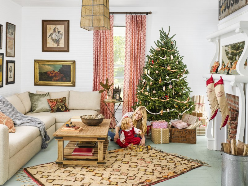 People who put Christmas decorations up early are generally happier, new study proves