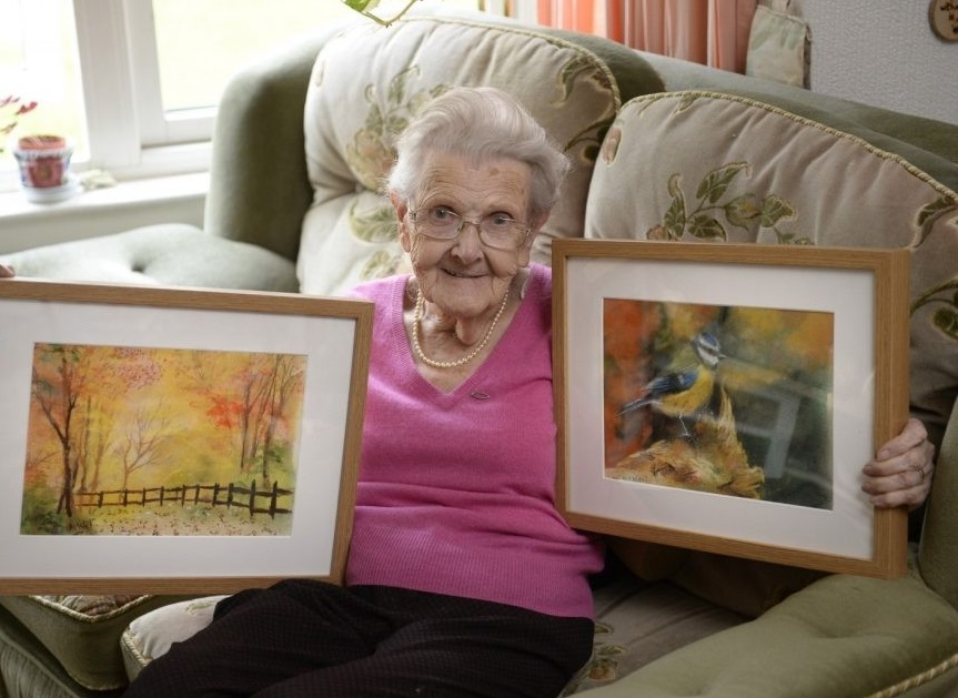 95-Year-Old Blind Woman Creates Stunning Drawings and Paintings