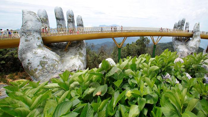 Bridge In Vietnam Has Just Been Opened wowing visitors with it's elegant design!