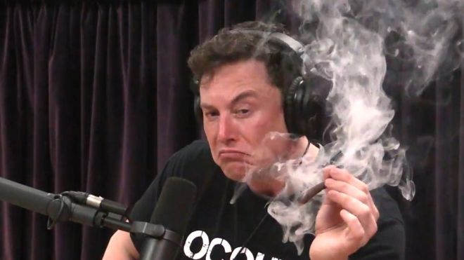 Elon Musk Smokes Marijuana On The Joe Rogan Experience