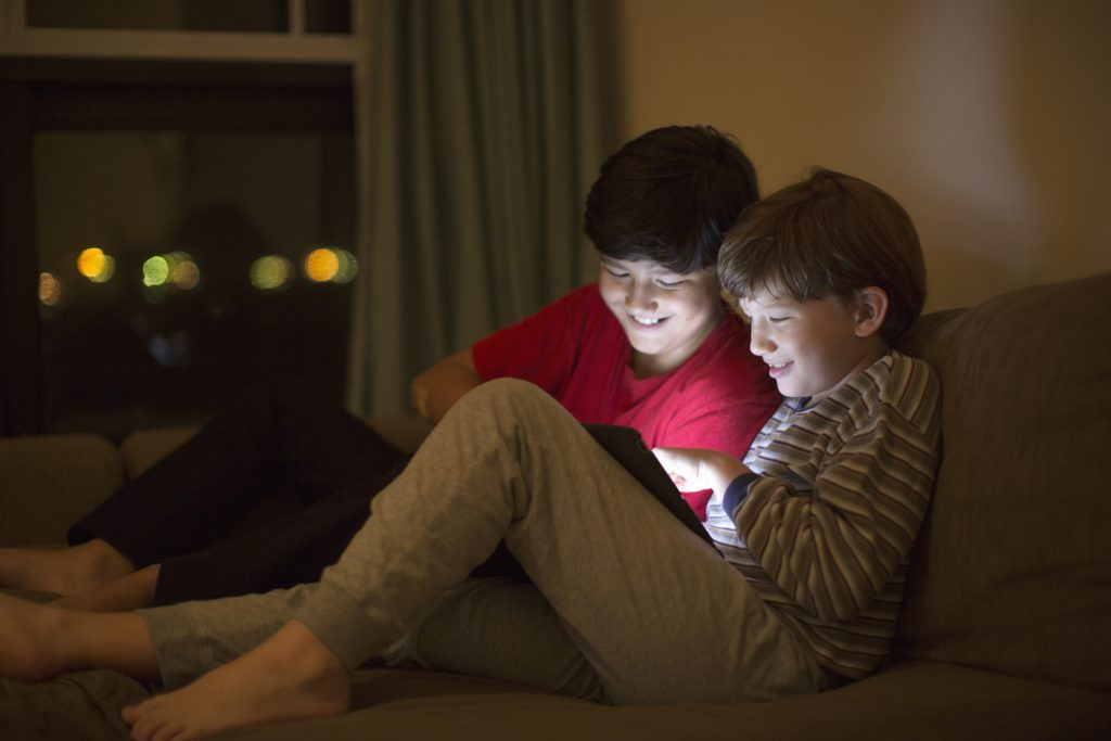 Apps can help you monitor your kids online activity
