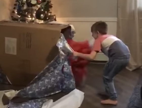 Little Boy's Reaction To Christmas Gift will melt your heart