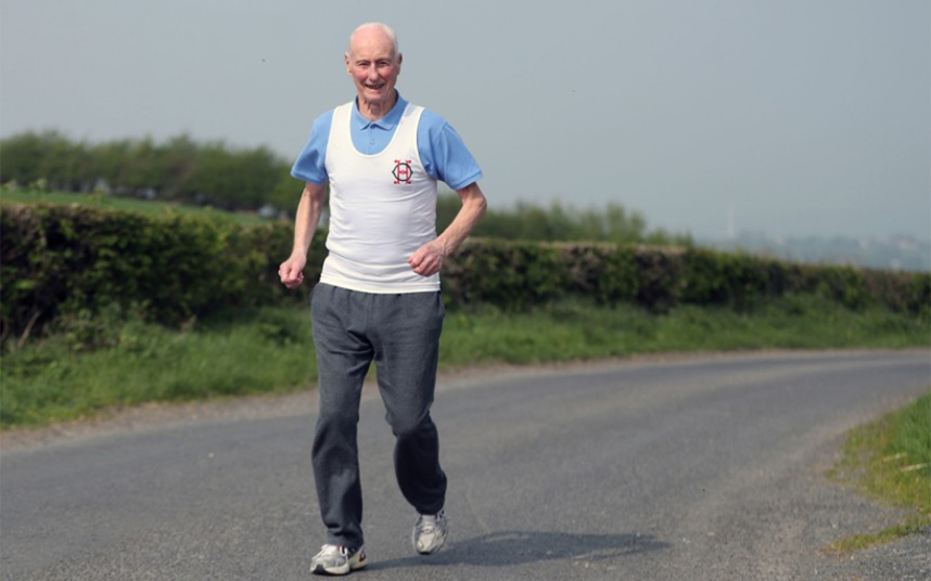 85-year-old runner takes on his 39th London marathon