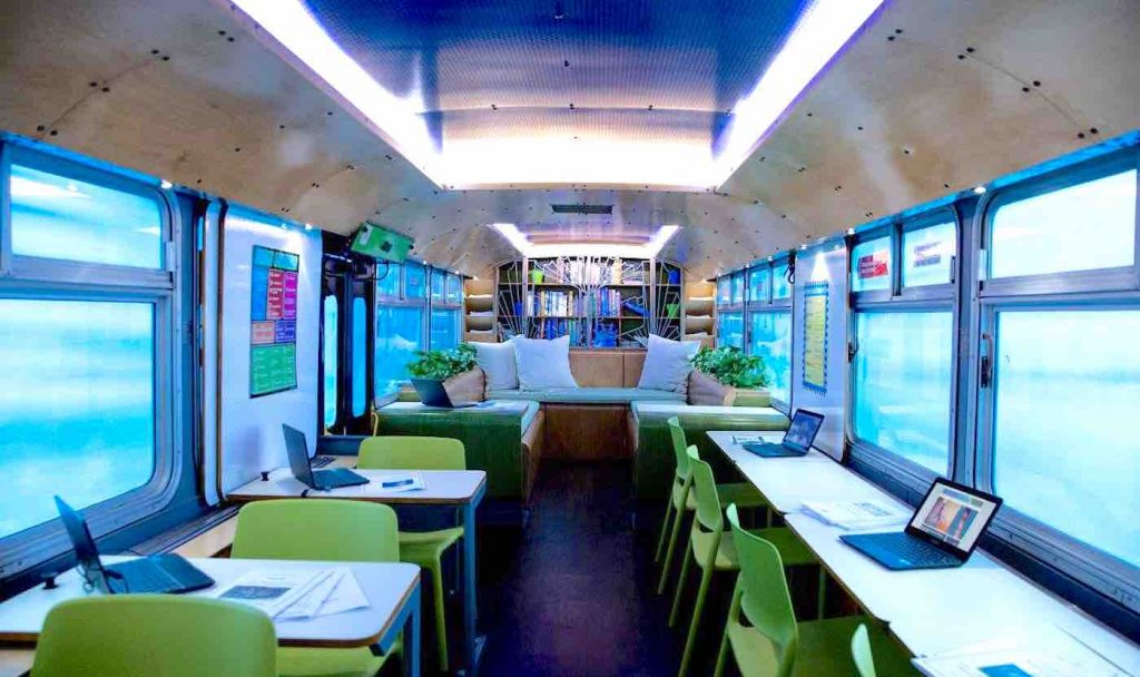 SCHOOL BUS TRANSFORMED INTO MOBILE CLASSROOM LETS THOUSANDS OF DISADVANTAGED KIDS AND ADULTS GET THEIR DIPLOMAS
