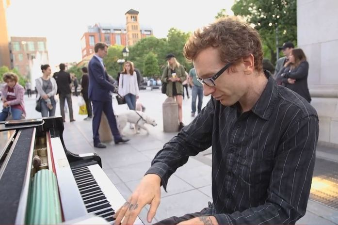 Meet Piano-Playing Busker who brings  his audience to tears