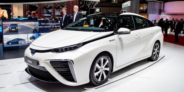 Meet The New Electric Car That Doesn't Need To Be Plugged In