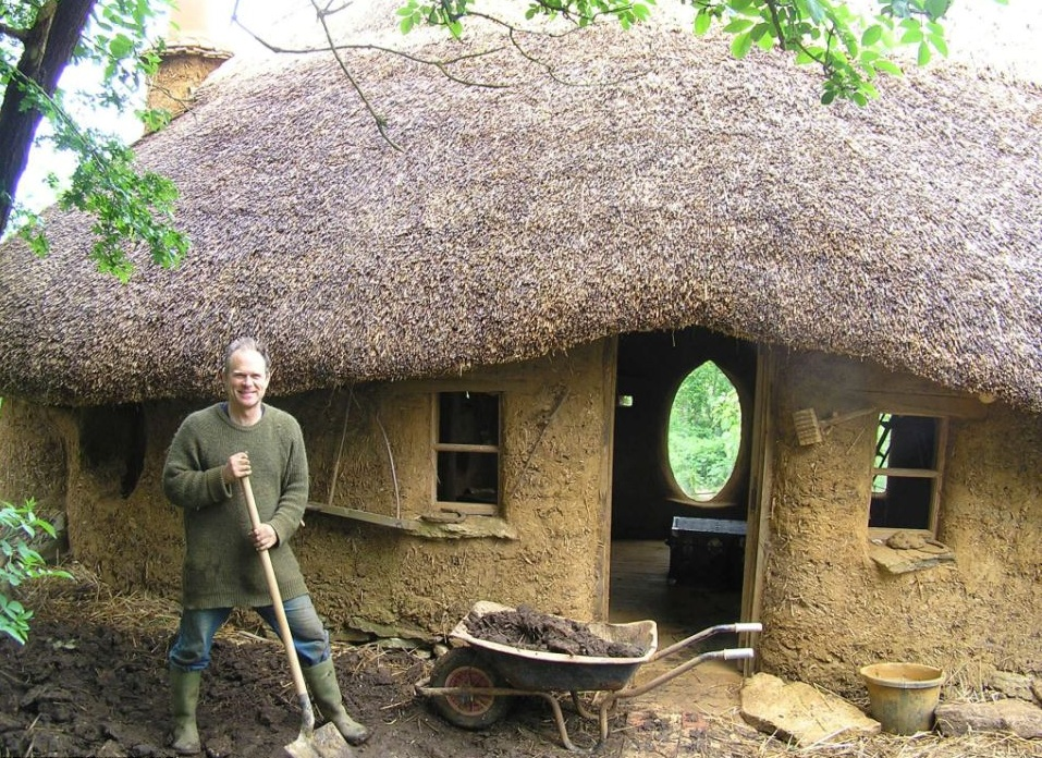 "Farmer used unwanted items to build a ""cob house"" in his garden"