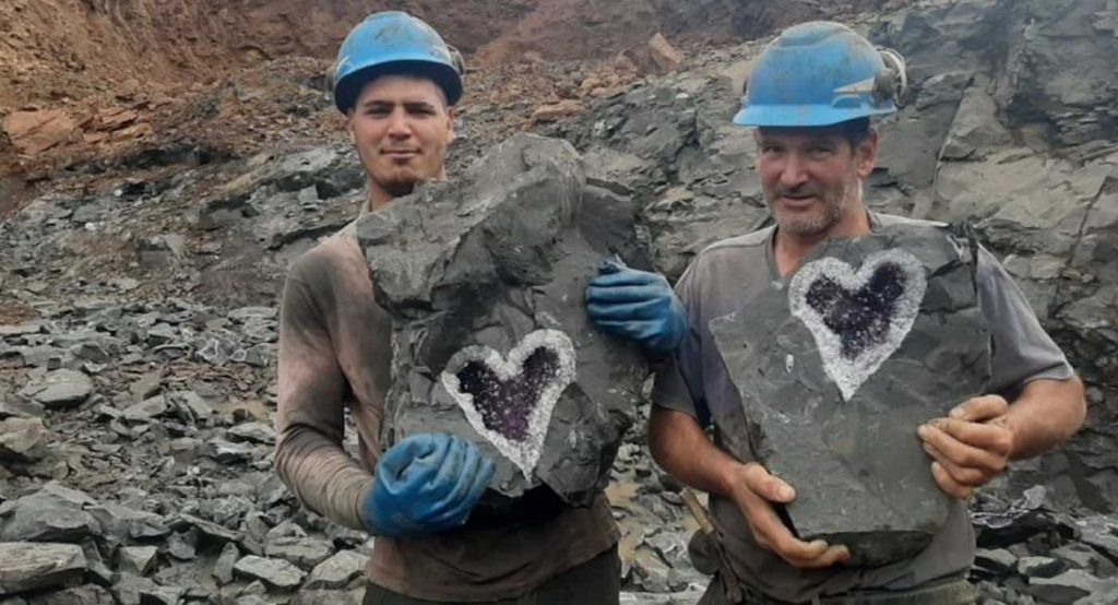 Uruguayan Miners Accidentally Discover Amazing Heart-Shaped Amethyst Geode