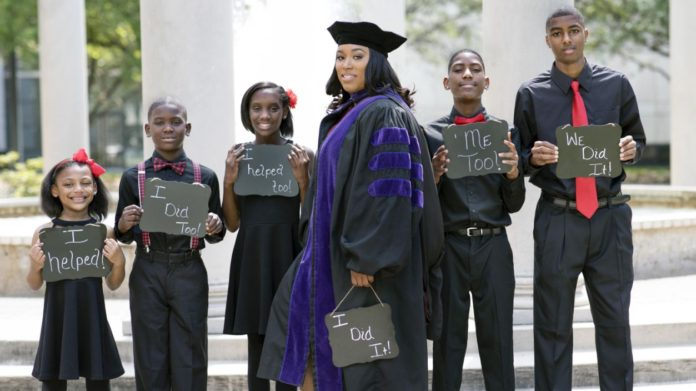 Single mom of 5 graduates law school with inspiring social media post
