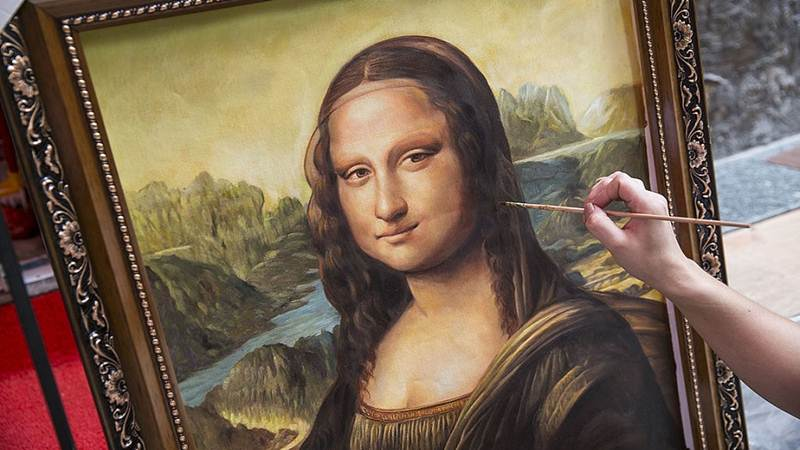 Mystery behind Mona Lisa's famous smile 'Explained' By Dr Mandeep Mehra