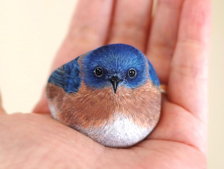 Self-taught Artist Transforms Rocks Into Tiny Animals
